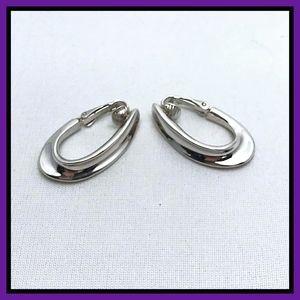 Elegant Trifari signed clip-on earrings